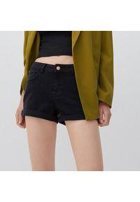 Reserved - Jeansowe szorty - Czarny. Kolor: czarny. Materiał: jeans