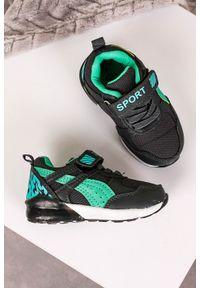 Casu - szare buty sportowe na rzep casu 8828. Zapięcie: rzepy. Kolor: szary