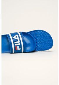 Niebieskie klapki Fila