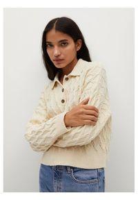 Beżowy sweter klasyczny mango