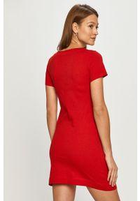 Czerwona sukienka Love Moschino mini, z nadrukiem, z krótkim rękawem