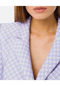 Elisabetta Franchi - ELISABETTA FRANCHI - Lawendowa sukienka ze złotymi guzikami. Kolor: wielokolorowy, różowy, fioletowy. Wzór: nadruk, aplikacja. Sezon: lato, wiosna. Styl: elegancki. Długość: mini