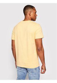 Wrangler T-Shirt Ss Logo Tee W742FKA11 Żółty Regular Fit. Kolor: żółty