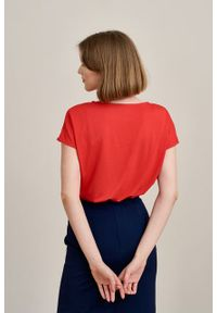 Marie Zélie - Bluzka Kordelia czerwień klasyczna mikromodal krótki rękaw. Kolor: czerwony. Materiał: wiskoza, dzianina, materiał, elastan, włókno, skóra. Długość rękawa: krótki rękaw. Długość: krótkie. Styl: klasyczny