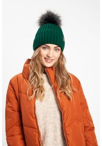 Zimowa czapka damska PaMaMi - Beżowy. Kolor: beżowy. Materiał: akryl. Sezon: zima