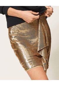 TwinSet - TWINSET - Złota cekinowa spódnica mini. Kolor: złoty. Wzór: aplikacja. Styl: glamour