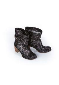 Srebrne botki Zapato biznesowe, w kolorowe wzory, z cholewką, na spotkanie biznesowe