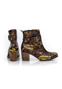 Zapato - ocieplane botki na obcasie - skóra naturalna - model 494 - kolor kolorowy wąż. Okazja: na co dzień. Zapięcie: zamek. Materiał: skóra. Wzór: kolorowy. Sezon: jesień, zima. Obcas: na obcasie. Styl: klasyczny, elegancki, casual. Wysokość obcasa: średni