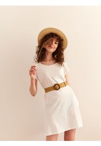 Biała sukienka TOP SECRET z krótkim rękawem, mini