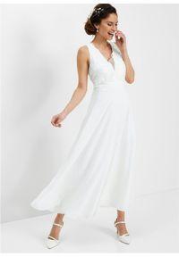 Sukienka szyfonowa z cekinami bonprix biel wełny. Okazja: na ślub cywilny, na wesele. Typ kołnierza: dekolt gorset. Kolor: biały. Materiał: wełna, szyfon. Typ sukienki: gorsetowe. Styl: elegancki #4