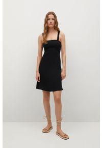 mango - Mango - Sukienka BRICK. Kolor: czarny. Materiał: materiał, włókno. Długość rękawa: na ramiączkach. Typ sukienki: rozkloszowane