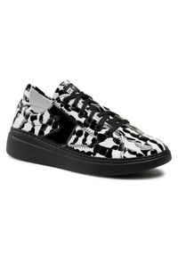 Nessi - Sneakersy NESSI - 21028 Biały Bw. Kolor: czarny, biały, wielokolorowy. Materiał: skóra. Szerokość cholewki: normalna. Obcas: na płaskiej podeszwie