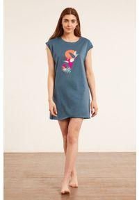 Etam - Koszula nocna Bengy. Kolor: niebieski. Długość: krótkie. Wzór: nadruk