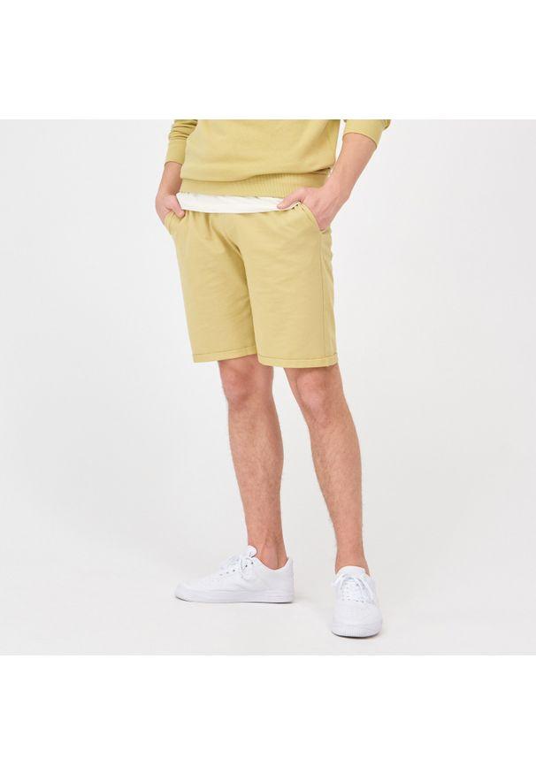 Sinsay - Szorty dresowe - Żółty. Kolor: żółty. Materiał: dresówka