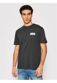 Tommy Jeans T-Shirt Photoprint DM0DM10619 Szary Regular Fit. Kolor: szary