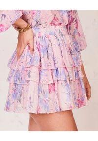 LOVE SHACK FANCY - Różowa spódnica w kwiaty. Kolor: wielokolorowy, różowy, fioletowy. Materiał: jedwab, bawełna. Wzór: kwiaty