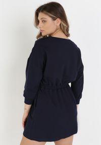 Born2be - Granatowa Sukienka Apheasi. Okazja: na co dzień. Kolor: niebieski. Materiał: dzianina. Wzór: jednolity. Typ sukienki: proste. Styl: casual. Długość: mini