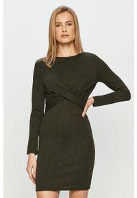 only - Only - Sukienka. Kolor: zielony. Materiał: tkanina, dzianina. Długość rękawa: długi rękaw. Wzór: gładki. Typ sukienki: rozkloszowane