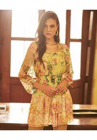 HEMANT & NANDITA - Żółta sukienka z nadrukiem kwiatowym. Okazja: na imprezę. Kolor: żółty. Materiał: materiał. Długość rękawa: długi rękaw. Wzór: kwiaty, nadruk. Sezon: lato. Długość: mini