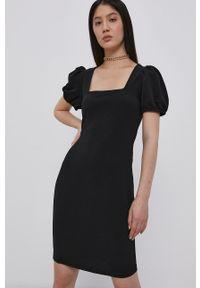 Vero Moda - Sukienka. Okazja: na co dzień. Kolor: czarny. Długość rękawa: krótki rękaw. Typ sukienki: proste. Styl: casual