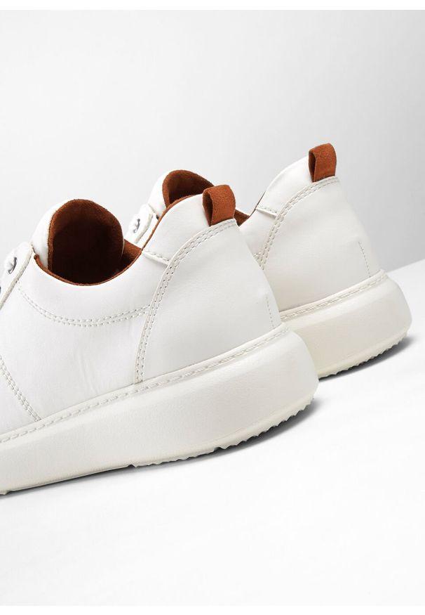 Białe buty sportowe bonprix
