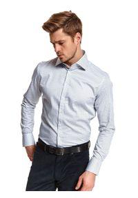 TOP SECRET - Koszula elegancka we wzór o dopasowanym kroju. Kolor: biały. Materiał: materiał. Długość: długie. Sezon: zima. Styl: elegancki