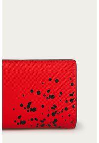 Desigual - Portfel. Kolor: czerwony. Materiał: materiał