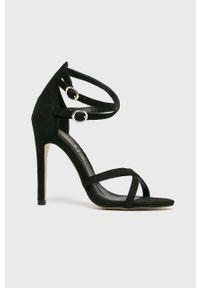 Czarne sandały Truffle Collection na klamry, na obcasie