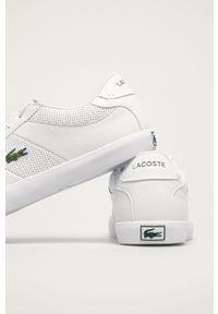 Białe sneakersy Lacoste z cholewką, na sznurówki, z okrągłym noskiem