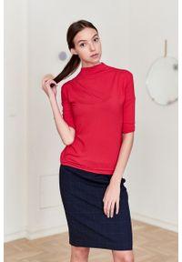 Marie Zélie - Półgolf Arneis czerwony – wiskoza. Kolor: czerwony. Materiał: wiskoza