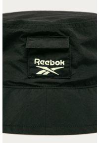 Czarny kapelusz Reebok Classic z aplikacjami