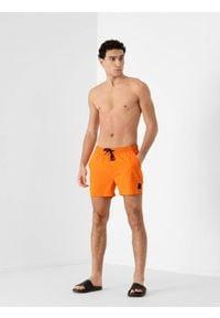 4f - Spodenki plażowe męskie. Okazja: na plażę. Kolor: pomarańczowy. Materiał: tkanina. Sezon: lato
