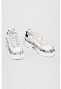 Białe buty sportowe ANSWEAR z okrągłym noskiem, z cholewką, na sznurówki
