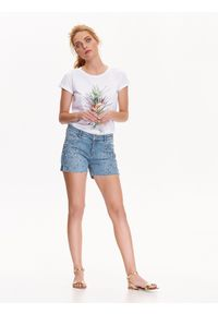 TOP SECRET - Szorty damskie z guzikiem, z zamkiem. Kolor: niebieski. Materiał: jeans. Długość: krótkie. Wzór: aplikacja. Sezon: lato