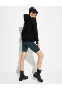 Versace Jeans Couture - VERSACE JEANS COUTURE - Czarna bawełniana bluza z kapturem. Typ kołnierza: kaptur. Kolor: czarny. Materiał: bawełna. Długość rękawa: długi rękaw. Długość: długie. Wzór: kolorowy
