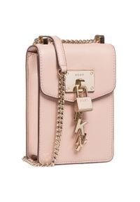 Torebka DKNY - Elissa-N/S Cbdy R81EH442 Cashmere CAH. Kolor: różowy. Materiał: skórzane