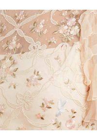 NEEDLE & THREAD - Sukienka Isadora Ballerina. Typ kołnierza: kokarda. Kolor: beżowy. Materiał: szyfon, tiul. Wzór: kwiaty, haft, aplikacja