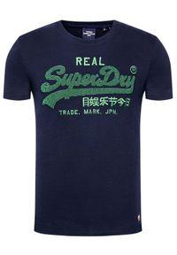 Superdry T-Shirt Vl Chenille Tee M1011005A Granatowy Regular Fit. Kolor: niebieski