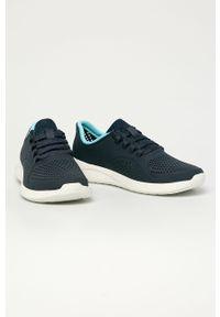 Niebieskie buty sportowe Crocs na sznurówki, na obcasie, z okrągłym noskiem, na średnim obcasie