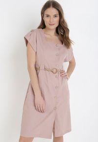 Born2be - Różowa Sukienka Hyrvia. Typ kołnierza: dekolt kwadratowy. Kolor: różowy. Materiał: bawełna. Wzór: aplikacja. Typ sukienki: szmizjerki. Długość: mini