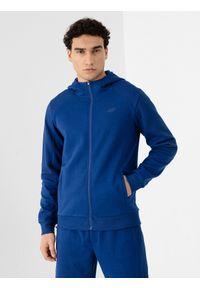 4f - Bluza męska. Okazja: na co dzień. Kolor: niebieski. Materiał: dresówka, dzianina. Długość rękawa: raglanowy rękaw. Styl: casual