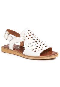 Białe sandały Nessi casualowe, na co dzień