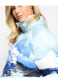 Pinko - PINKO - Pikowana kurtka z nadrukiem górskim. Okazja: na spacer. Kolor: niebieski. Materiał: nylon. Wzór: nadruk. Sezon: zima