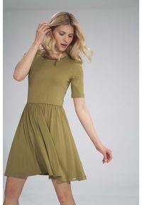 Figl - Krótka Wiskozowa Sukienka na Lato - Zielona. Kolor: zielony. Materiał: wiskoza. Sezon: lato. Długość: mini