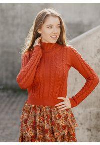 Sweter Fanaberia.com na jesień, w kolorowe wzory