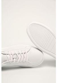 Białe sneakersy Calvin Klein na sznurówki, z okrągłym noskiem, z cholewką