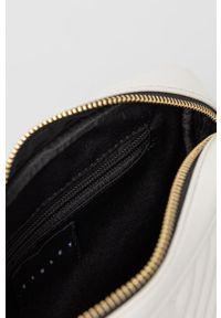 Sisley - Torebka. Kolor: biały. Materiał: pikowane. Rodzaj torebki: na ramię