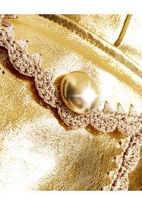ALICE MCCALL - Spódnica mini Cool Cat. Kolor: złoty. Materiał: materiał. Wzór: haft. Styl: klasyczny