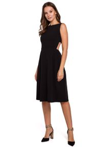 MAKEOVER - Czarna Wieczorowa Sukienka z Odkrytymi Plecami. Kolor: czarny. Materiał: poliester, elastan. Styl: wizytowy