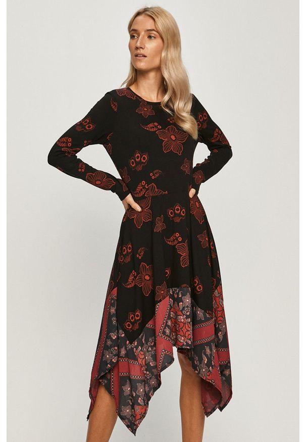Czarna sukienka Desigual midi, z długim rękawem, z asymetrycznym kołnierzem